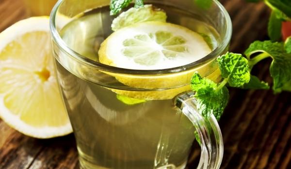 4-bonnes-raisons-de-boire-du-jus-de-citron-tous-les-matins