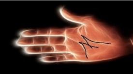 Si vous avez cette marque sur votre main, VOICI ce qui vous attend bientôt …