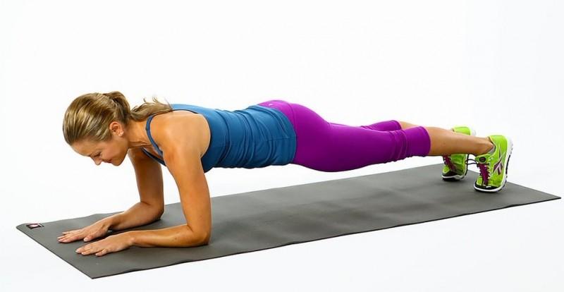 Allongez-vous d'abord sur le ventre … Si vous gardez cette position pendant 2 minutes, vous serez prêts pour la plage en un temps RECORD !!