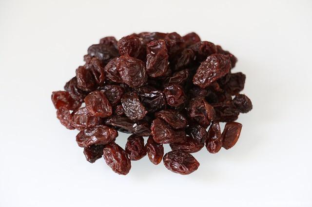 raisins-617416_640