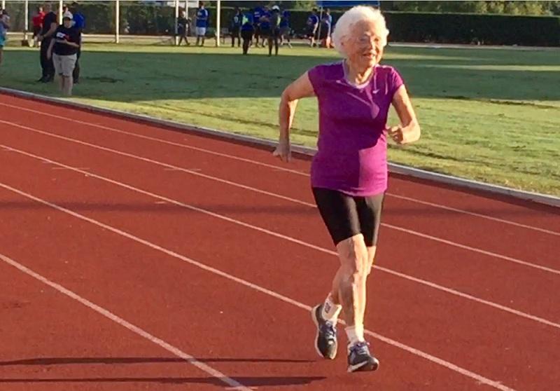 A la rencontre de Julia Hawkins, une femme de 101 ans qui se lance dans des courses compétitives !