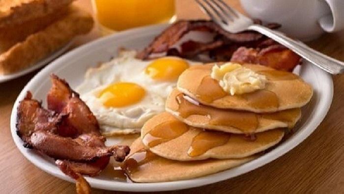 Conseils Astucieux : Les 5 aliments que vous devez éviter de prendre au petit-déjeuner …
