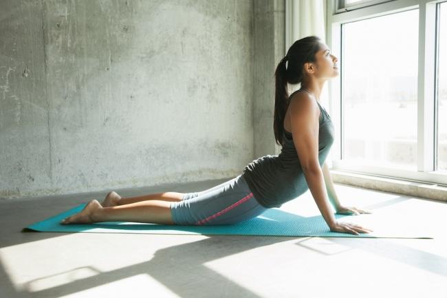 Position de cobra (pour les fesses et le dos) :