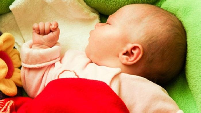 Les colliers d'ambre pour la dentition présentent un risque de strangulation pour les bébés !