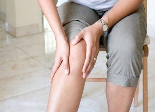 douleurs-dans-les-genoux-500x363