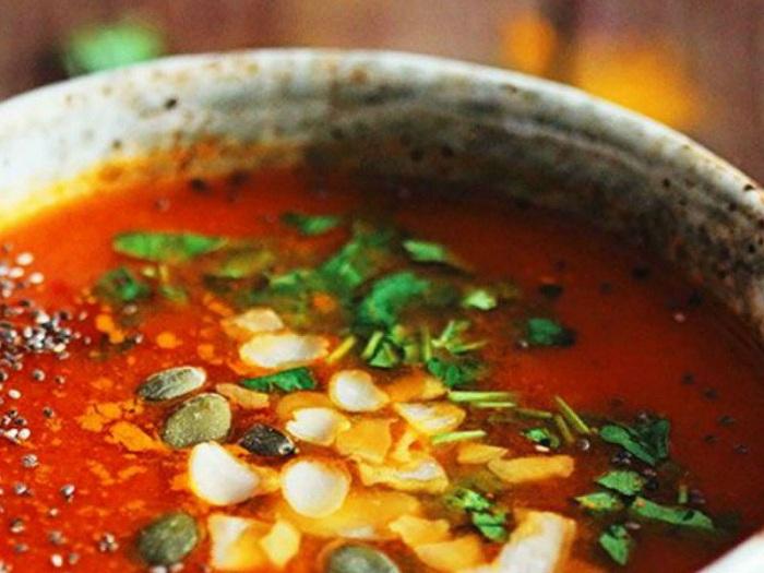 Une soupe de tomate anticancéreuse que vous pouvez préparer en 15 minutes seulement !