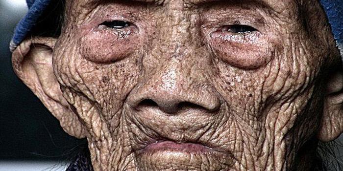 L'homme de 256 ans brise le silence avant sa mort et révèle des secrets choquants au monde