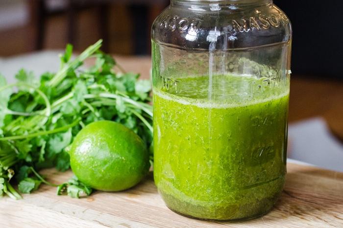 Améliorez votre digestion avec le jus de coriandre au citron et à l'ananas !