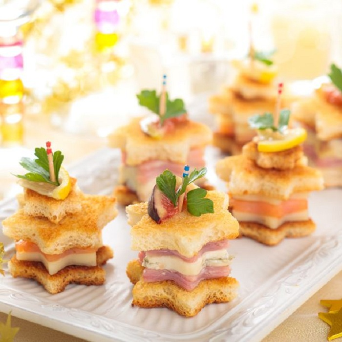 Tapas de noël au saumon, parmesan et jambon