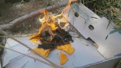 Utilisez des Doritos pour allumer du feu. Ils sont très efficaces !