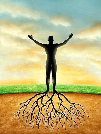 Marcher pieds nus sur le sol peut améliorer votre état de santé général à travers la « nutrition électrique » !