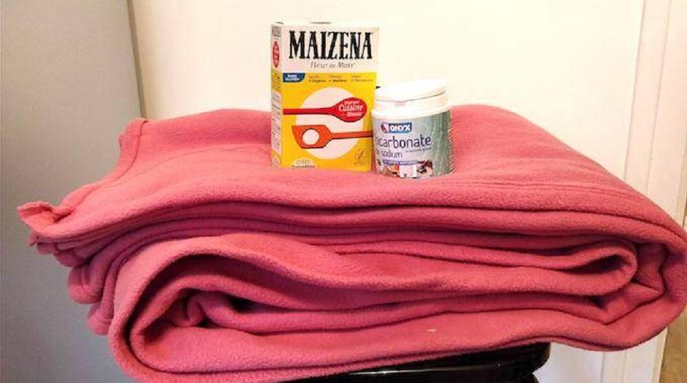 Utilisez le bicarbonate de soude pour éliminer la mauvaise odeur de votre couverture !