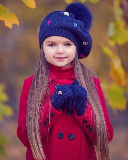 """Cette fillette russe de six ans est apparemment """"la plus belle fille du monde"""" !"""