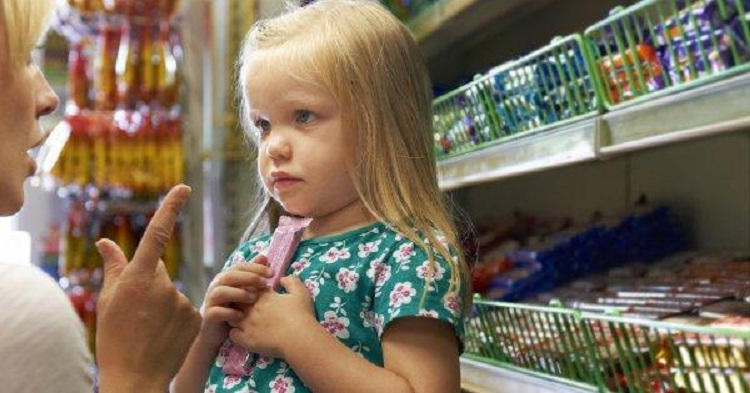 Apprenez à vos enfants la consommation minimaliste pour éviter les dépenses inutiles !