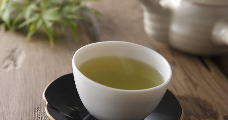 La bonne façon de préparer du thé vert pour perdre la graisse du ventre !