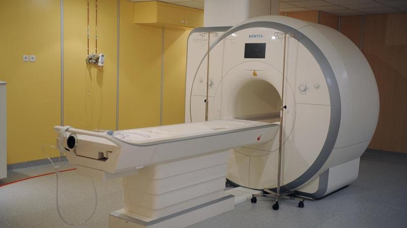 En Inde, un homme meurt coincé dans une machine d'IRM !