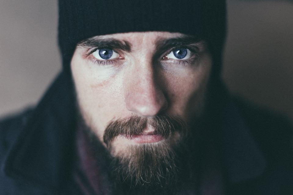 La barbe préserve votre jeunesse, votre santé et votre beauté, affirme la science