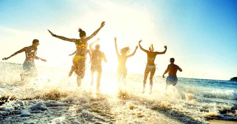 Les neuroscientifiques vous recommandent fortement d'aller régulièrement à la plage. Voici pourquoi…