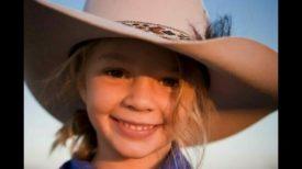 Une jeune fille se suicide à l'âge de 14 ans – son père invite ses harceleurs aux funérailles