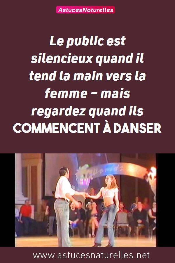 Le public est silencieux quand il tend la main vers la femme – mais regardez quand ils commencent à danser