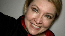 Une infirmière des urgences meurt seule à la maison à cause d'un coronavirus