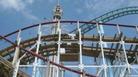 """Un employé d'un parc d'attractions meurt percuté par un manège """"occupé par des clients"""""""