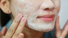 Nettoyez votre visage en profondeur et débarrassez-vous des cernes facilement grâce à ce seul ingrédient !