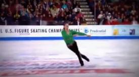 """Patineur exécute une """"danse irlandaise"""" sur glace et toute la foule se lève en admiration"""